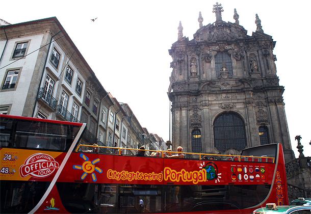 Hop-on hop-off bus in Porto