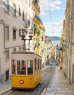 Ascensor da Gloria, tram in Lissabon